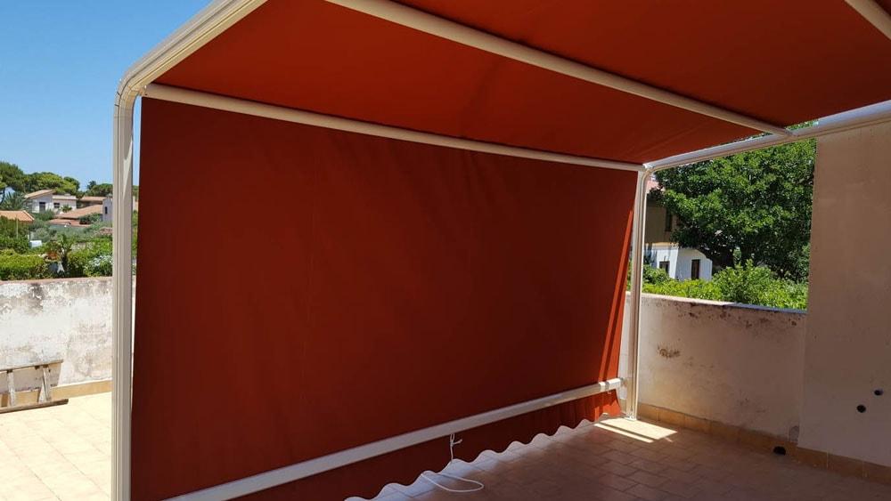 tenda con struttura arancione