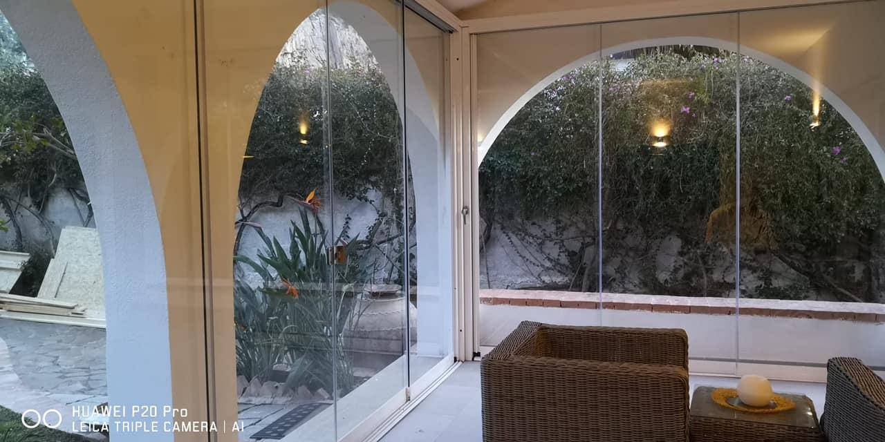 vetrata panoramica portico dettagli